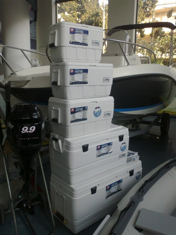 IGLOO ULTRA MARINE COOLERS